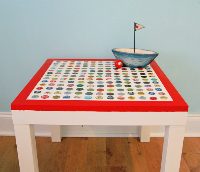 DIY Cheap and Chic Bottlecap Table