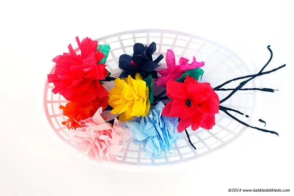 Easy Crepe Paper Flowers, Made in Five Minutes!
