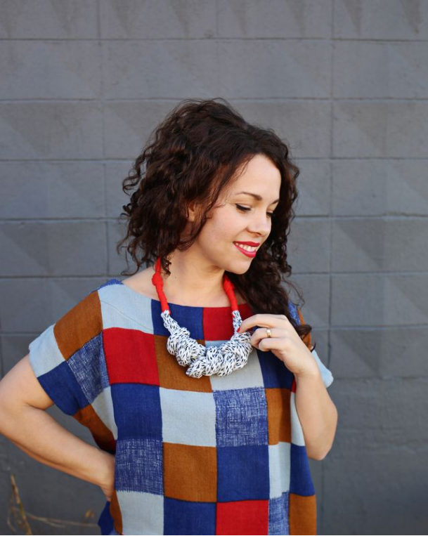 FINGER KNIT A FABRIC STATEMENT NECKLACE