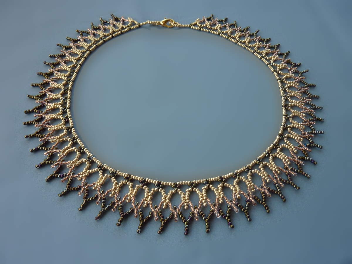 FREE beading pattern for Cathedral Net necklace