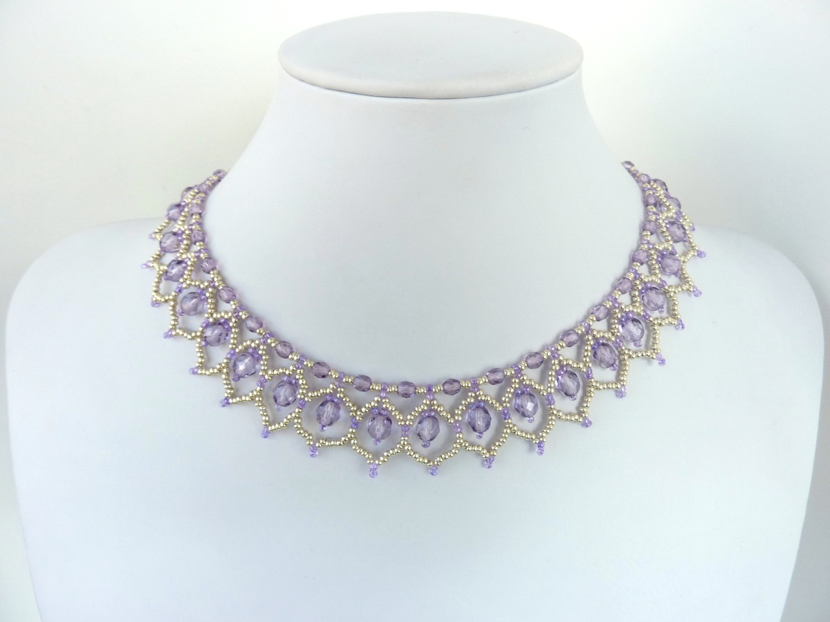 FREE beading pattern for Crystal Petals necklace