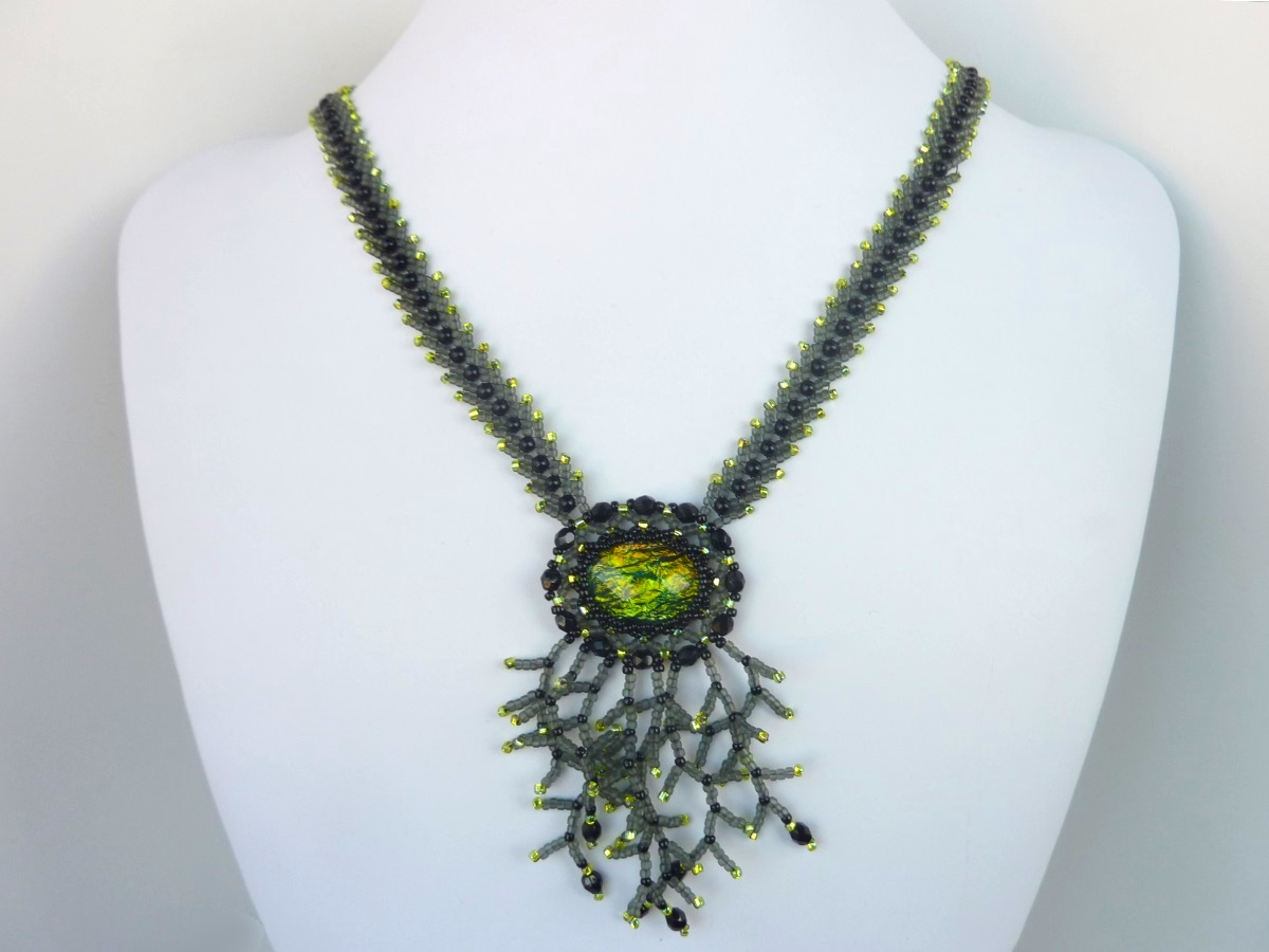 FREE beading pattern for Enchanted Tree Necklace