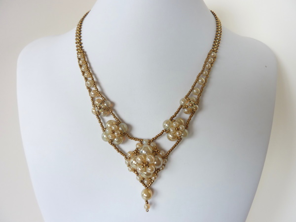 FREE beading pattern for Sarina Necklace