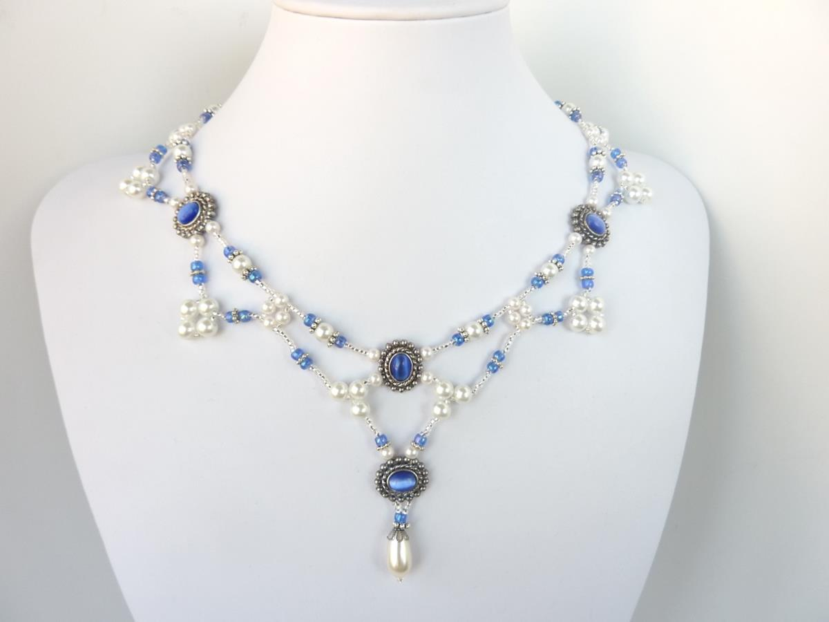 FREE pattern for necklace Regal Pearls