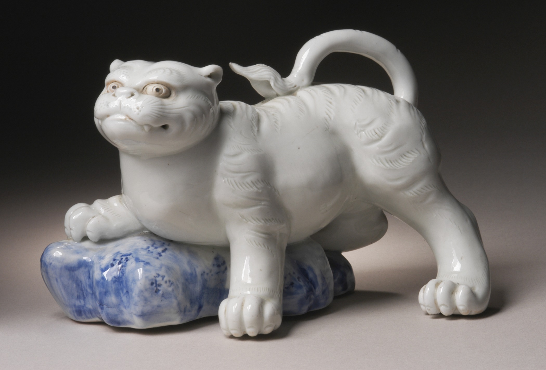 Okimono in the Form of a Tiger Climbing onto a Rock