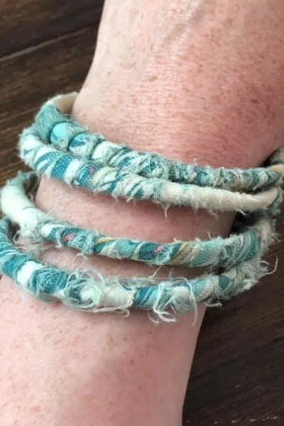 How to Upcycle Scrap Fabric into Wrapped Bangles