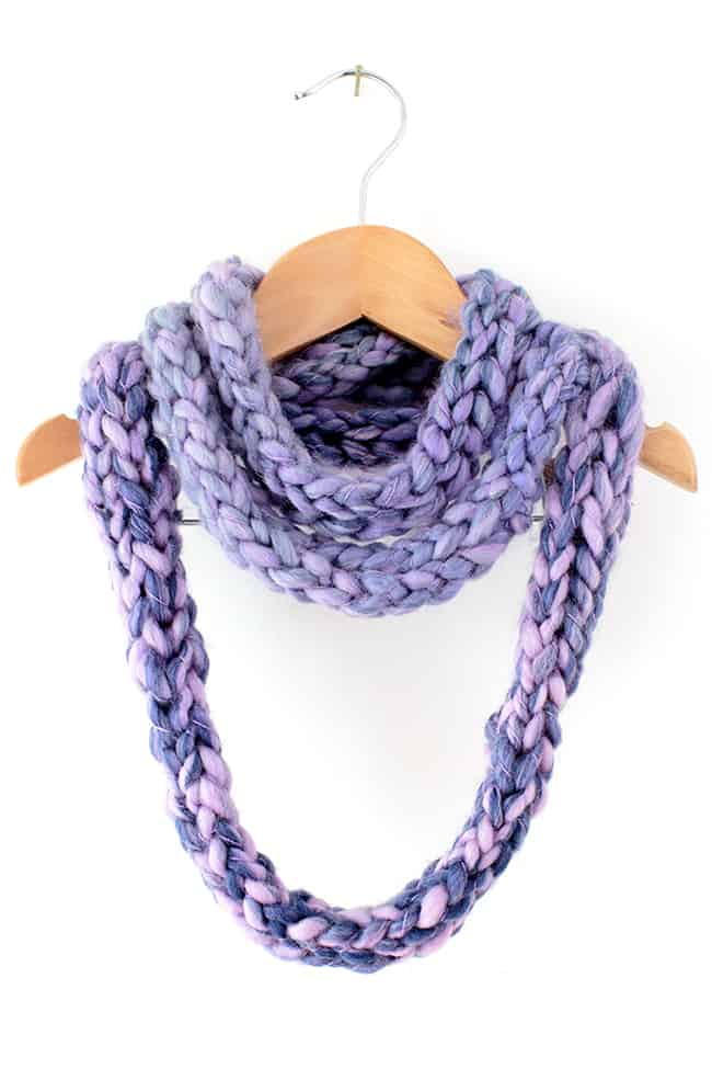 Kid Craft How to Finger Knit an Infinity Scarf