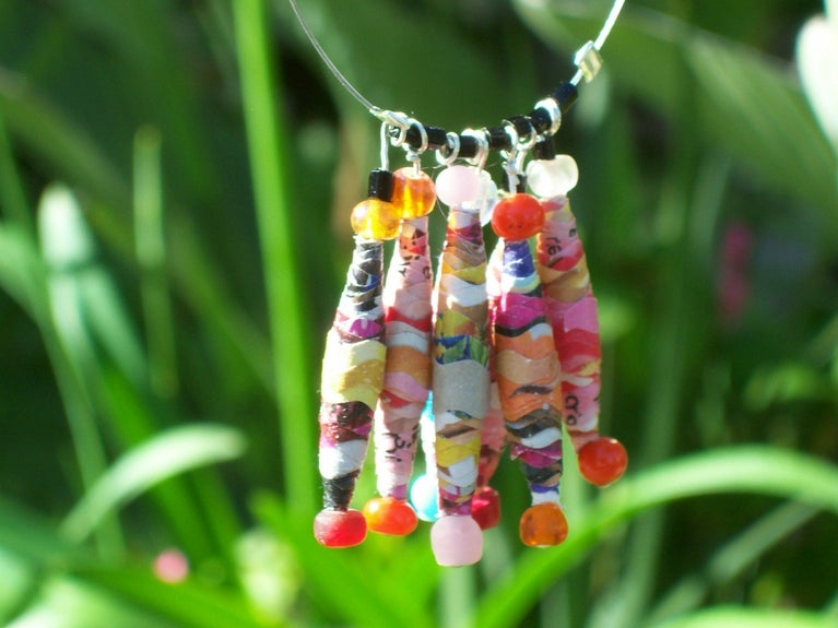 Wavy Cut Paper Bead How To